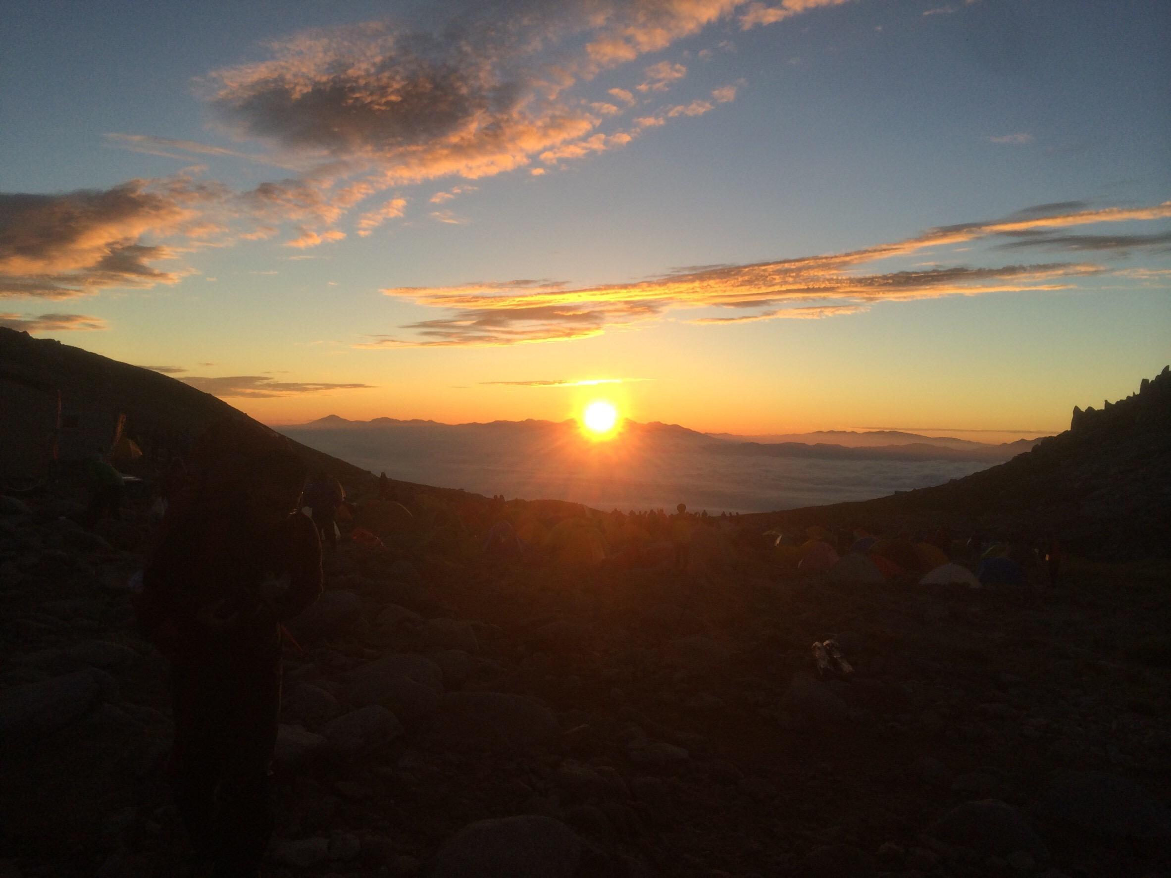 駒ヶ岳頂上山荘から見える朝日その3