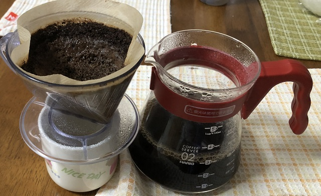 コロンビアコーヒーを抽出