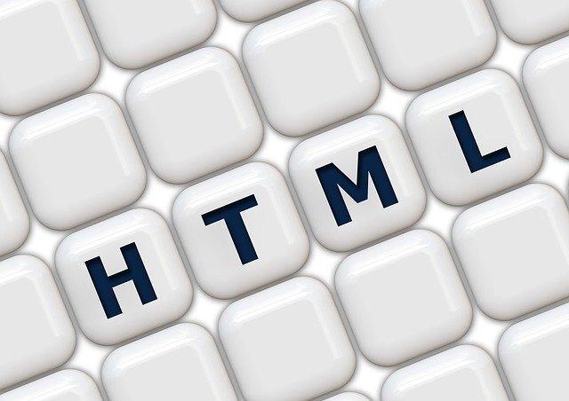 テックアカデミーでHTML